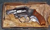 Smoth & Wesson Model 60CHIEF'S SPECIAL .38 Spl. Cal.