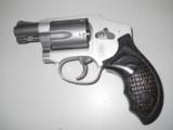 SMITH & WESSON 642 - 1 of 2