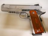 SMITH & WESSON 1911 TACTICAL - 1 of 2
