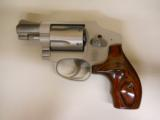 SMITH & WESSON 642LS - 1 of 2