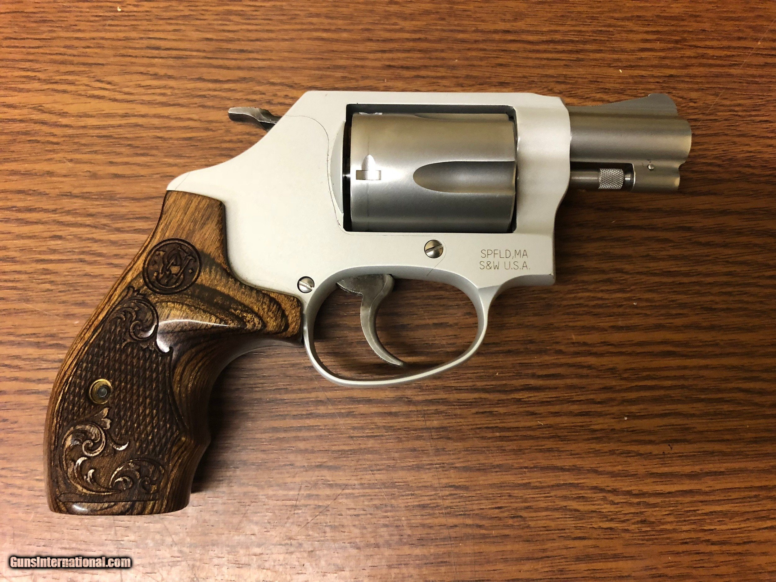 ... Smith & Wesson 637 Performance Center Revolver 170349, 38 Special - 2  of 5 ...