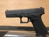 Glock 22 Gen4 Pistol PG2250203, 40 S&W - 1 of 5