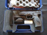 Smith & Wesson, S&W M&P40, Used in case, CLEAN