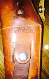 Bianchi shoulder holster for small/medium auto -excellent condition