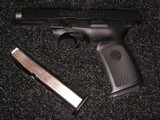 NEW CONDITION SMITH & WESSON DESASTER READY KIT WITH SW9VE CAL.9MM PISTOL - 5 of 21