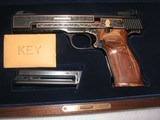 SMITH & WESSON MOD. 41 CAL. .22LR 50th ANNIVERSARY ENGRAVED IN NEW CONDITION - 20 of 20