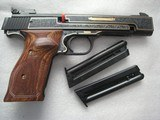 SMITH & WESSON MOD. 41 CAL. .22LR 50th ANNIVERSARY ENGRAVED IN NEW CONDITION - 9 of 20
