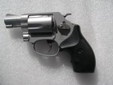 SMITH & WESSONMODEL 637 CALIBER .38 SPL. AIRWEIGHT LIKE NEW IN THE ORIGINAL CASE - 5 of 19
