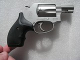 SMITH & WESSONMODEL 637 CALIBER .38 SPL. AIRWEIGHT LIKE NEW IN THE ORIGINAL CASE - 6 of 19