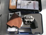 SMITH & WESSONMODEL 637 CALIBER .38 SPL. AIRWEIGHT LIKE NEW IN THE ORIGINAL CASE