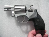 SMITH & WESSONMODEL 637 CALIBER .38 SPL. AIRWEIGHT LIKE NEW IN THE ORIGINAL CASE - 12 of 19