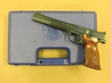Smith & Wesson Model 41, Cal. .22 LR, 7 Inch Barrel, Boxed with 2 Magazines
