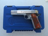 Smith & Wesson Model SW1911 .45 ACP Pistol w/ Original Box, Manual, Extra Mag, Wrench** Excellent Condition **