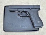 GLOCK 20 10MM GEN2 WITH TUPPERWARE BOX EXTRA MAGAZINE AND LOADER**Excellent Condition**