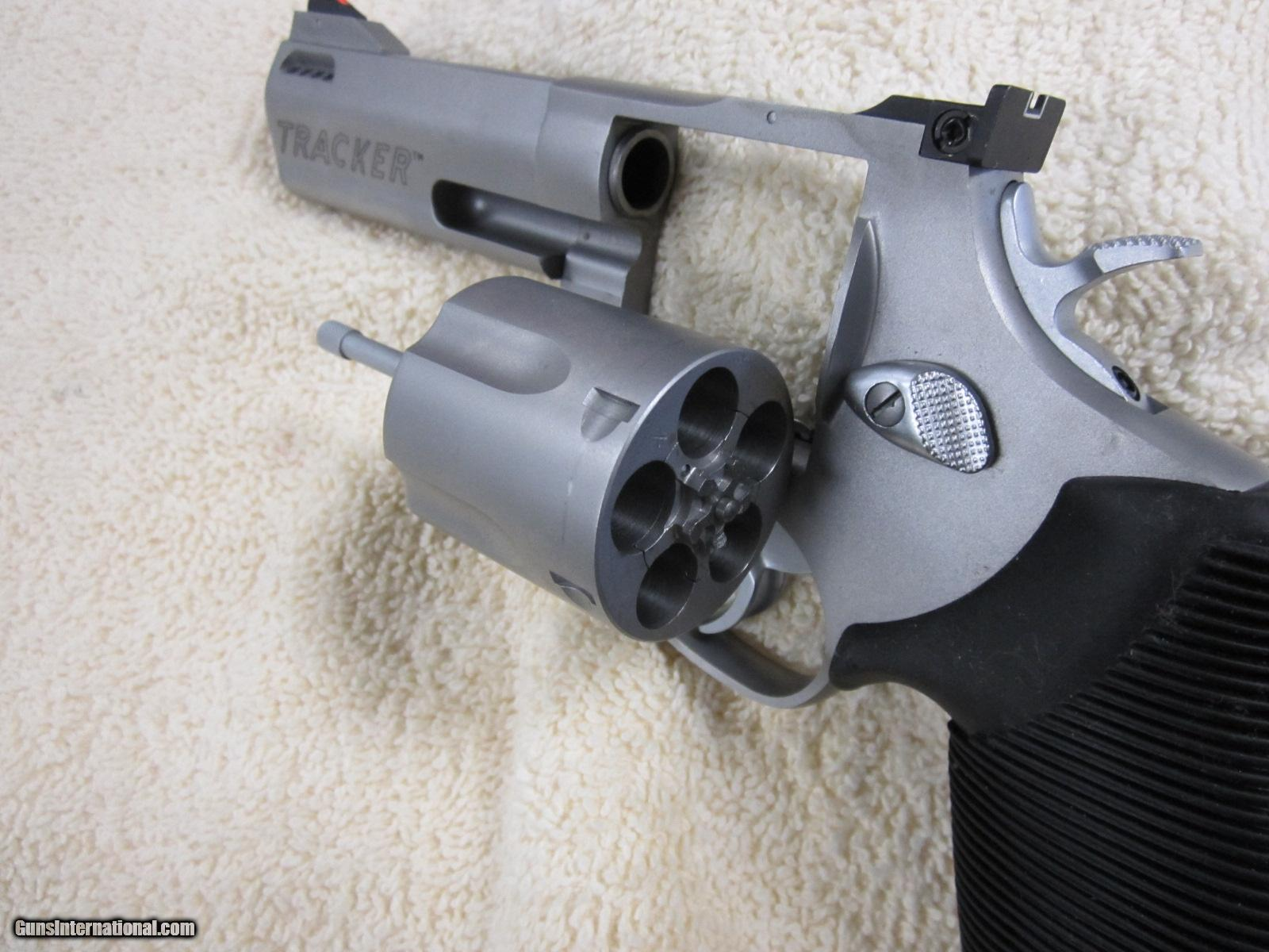 taurus tracker m44 revolver 4 ported 5 rd 44 mag new. Black Bedroom Furniture Sets. Home Design Ideas