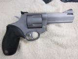 Taurus Tracker M44 Revolver 4