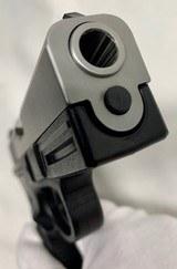 Smith & Wesson model 40VE, S&W 40 caliber semi auto NIBSuper Low Price - 5 of 11