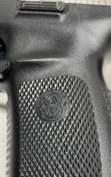Smith & Wesson model 40VE, S&W 40 caliber semi auto NIBSuper Low Price - 7 of 11