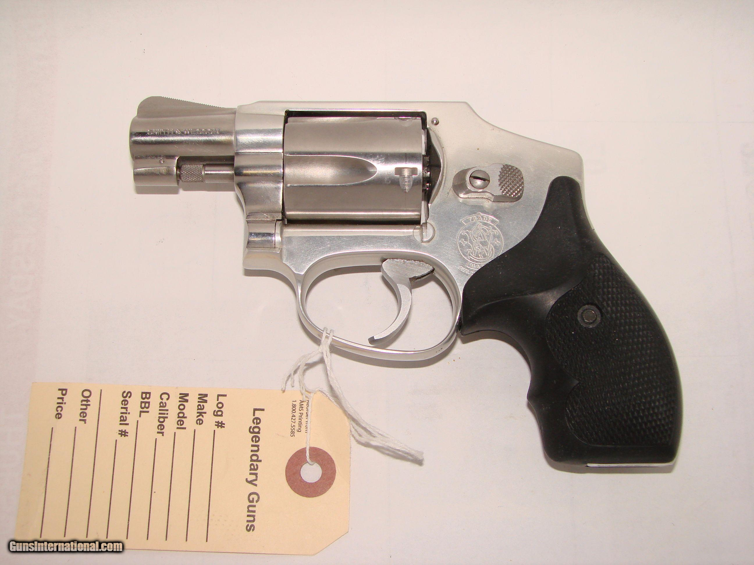 S&W 642 Airweight - 1 of 10 ...