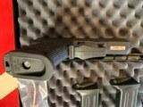 Heckler & KochUSP Compact 9mm - 5 of 7