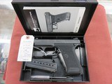 H K P7 m8 9mm with box