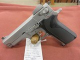 Smith & Wesson 4006 - 2 of 2