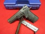 Smith & Wesson Model 411 .40 S&W Semi pistol w/original box
