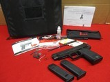 Heckler & Koch USP Expert .40 S&W Excellent Condition with H&K Carry Case, Full Kit - 12 of 15