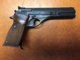Beretta 76 W .22LR Target Pistol with 2 Magazines - 2 of 10