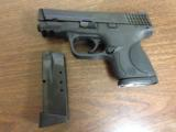 Smith & Wesson M&P 40 Compact - 7 of 9