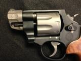 SMITH & WESSON MODEL 327 - 2 of 8