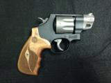 SMITH & WESSON MODEL 327 - 1 of 8