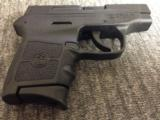 SMITH & WESSON BODYGUARD 380 NO LASER - 2 of 4