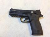 SMITH & WESSON M&P 22 COMPACT - 1 of 4