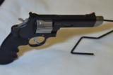 Smith & Wesson M627-5 V-Comp -357 Mag - 7 of 14
