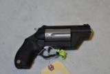 TAURUS PUBLIC DEFENDER POLY - 45LC/.410 - 2 of 3