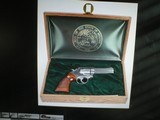 "1 OF 100 STATE OF INDIANA SMITH & WESSON 686, 357 MAGNUM STAINLESS, 4"" BARREL, LIMITED EDITION C.1986 UNFIRED. - 1 of 9"