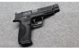 Smith & Wesson ~ M&P 9 ~ 9mm Luger