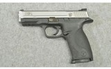Smith & Wesson ~ M&P40 ~ .40 S&W - 2 of 4