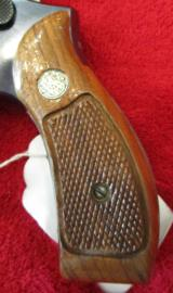 Smith & Wesson Model 19 - 5357 Mag. - 4 of 14