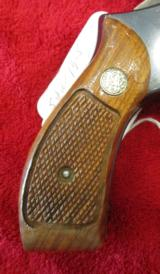 Smith & Wesson Model 19 - 5357 Mag. - 3 of 14
