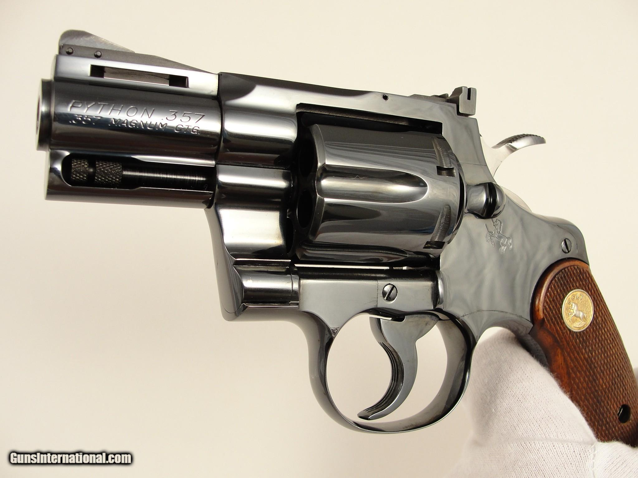 MINT BOXED 1964 Colt Python 2 ½'' with Factory Target