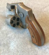 SMITH & WESSON 640 NO DASH CENTENIAL 38 SPL SATIN STAINLESS - 5 of 8