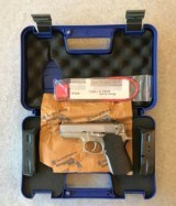SMITH & WESSON 669 SEMI AUTO STAINLESS 9MM WITH 2 MAGS - 1 of 7