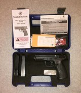 SMITH & WESSON M&P40 NIGHT SIGHTS CASE TEST RD PAPERWORK 3 MAGS