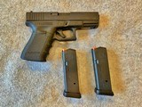 GLOCK 19 PISTOL 9MM WITH 2 15 RD MAGS
