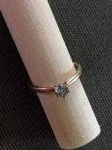 10K yellow gold diamond solatire Ladies ring