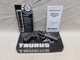 Taurus M941,22 Magnum