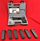 Heckler & Koch USP.40 S&Wstainless like new with extras
