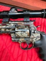 Colt Anaconda Camo with scope and original soft case - 5 of 15